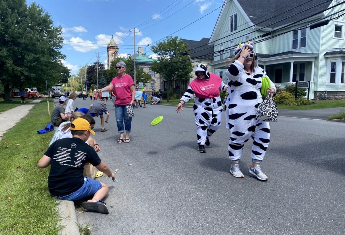 Canton parade spotlights dairy royalty