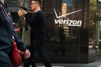 Verizon sells 90% of media division to Apollo for $5 billion