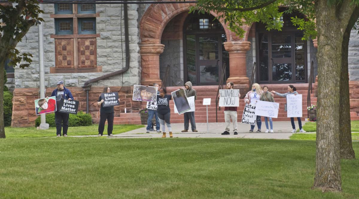 Rally marks anniversary of Summerville's death