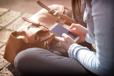 Campus advocate outlines 'keeping kids safe online'