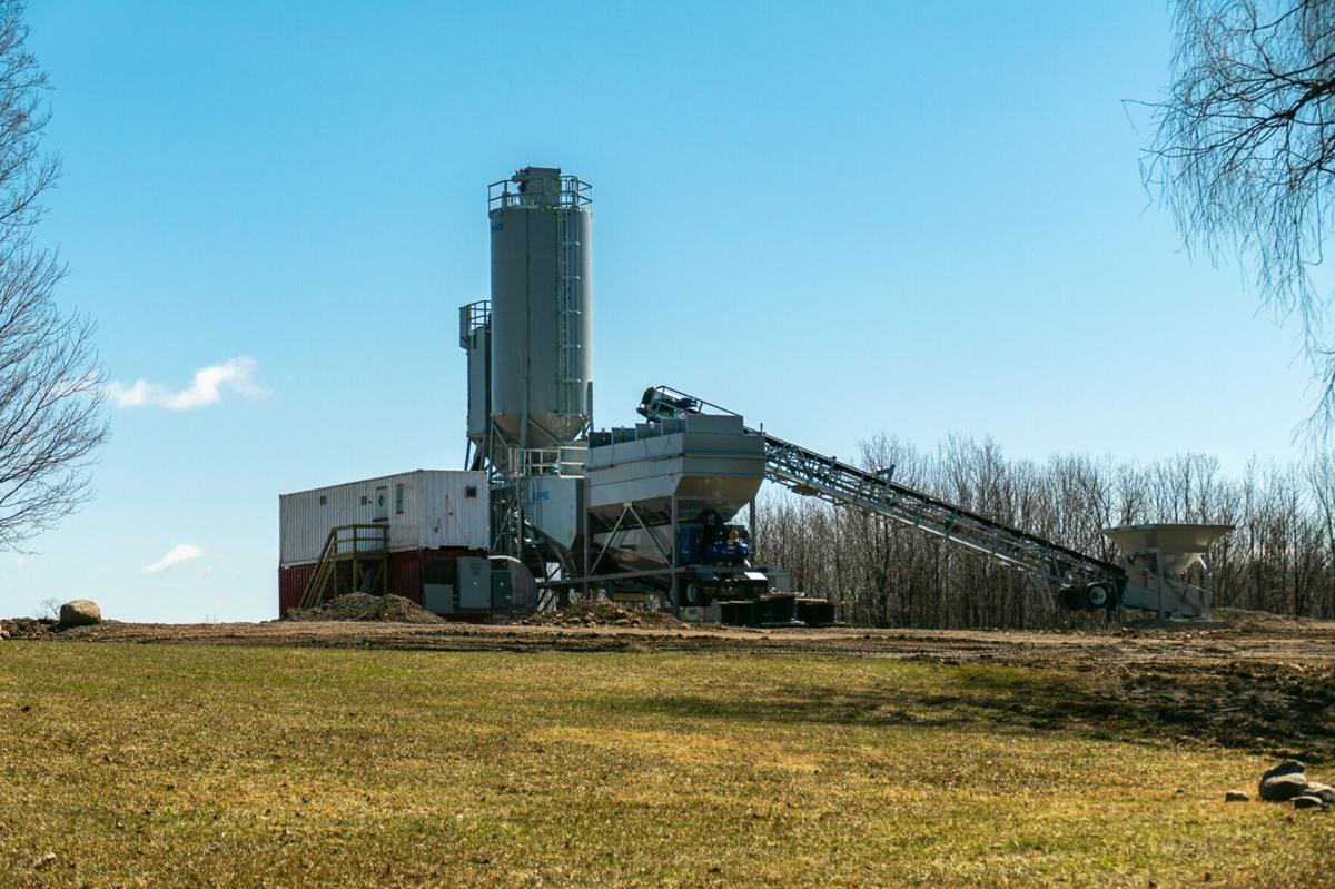 Concrete plant draws residents' ire