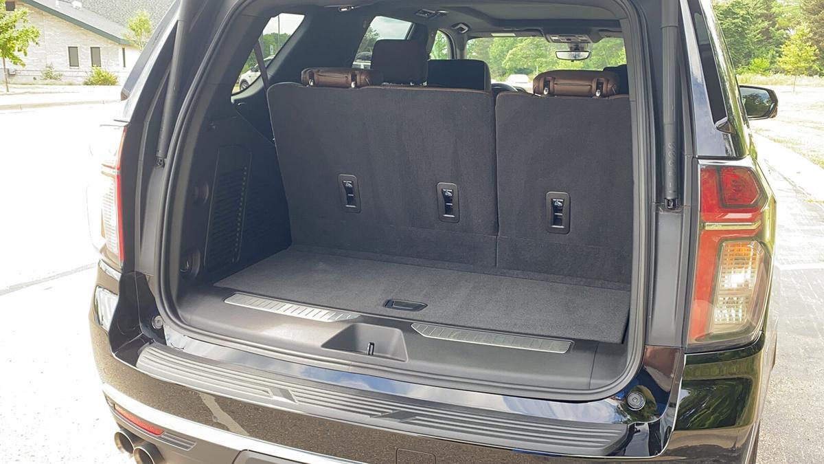 2021 Chevrolet Tahoe SUV sets standard for big SUVs
