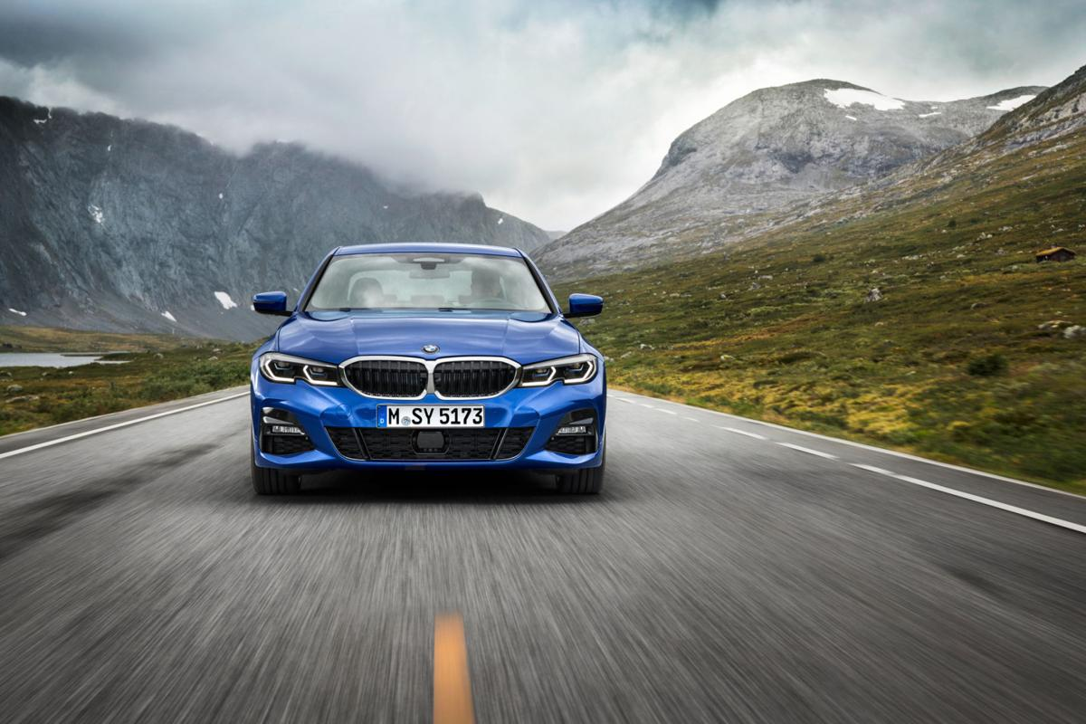 BMW's extra Apple CarPlay fee is a pure money grab