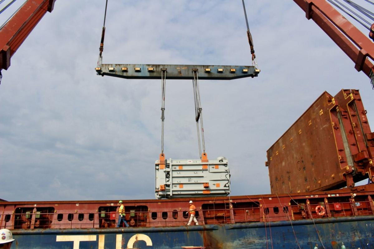 Port of Oswego offloads $12 million in transformers, equipment to Exelon Nine Mile 2