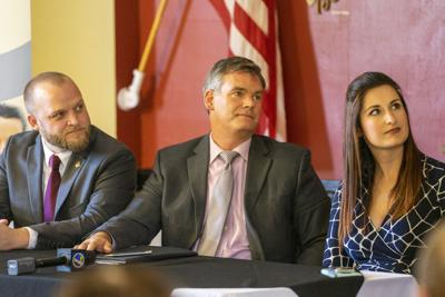 Pool, 'Golf Gate' among major issues in mayoral race