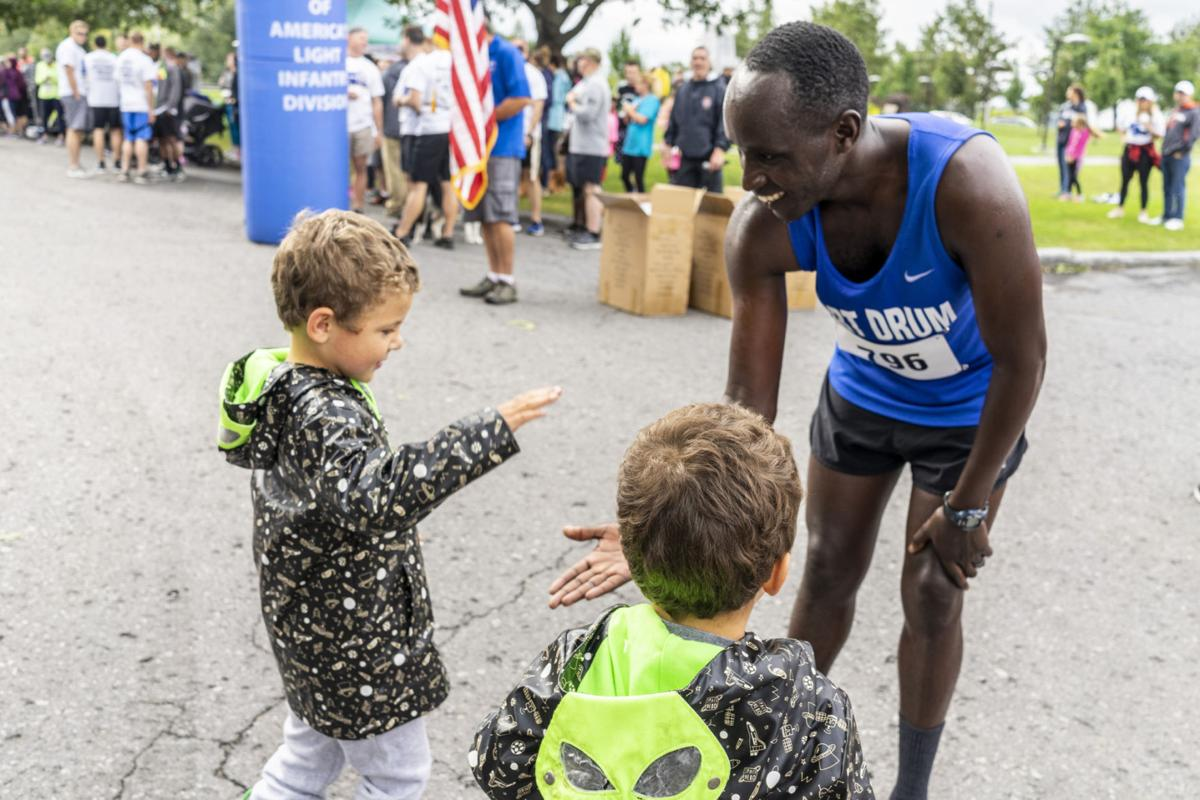Hundreds run from Fort Drum to city park