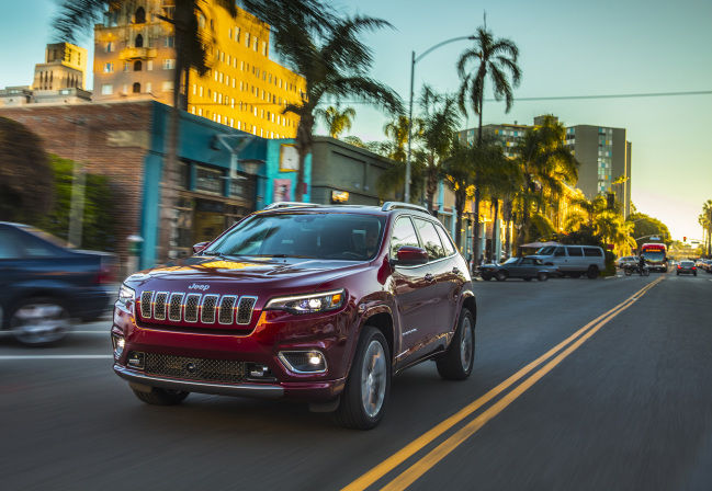 Improved looks, power for 2019 Jeep Cherokee Overland