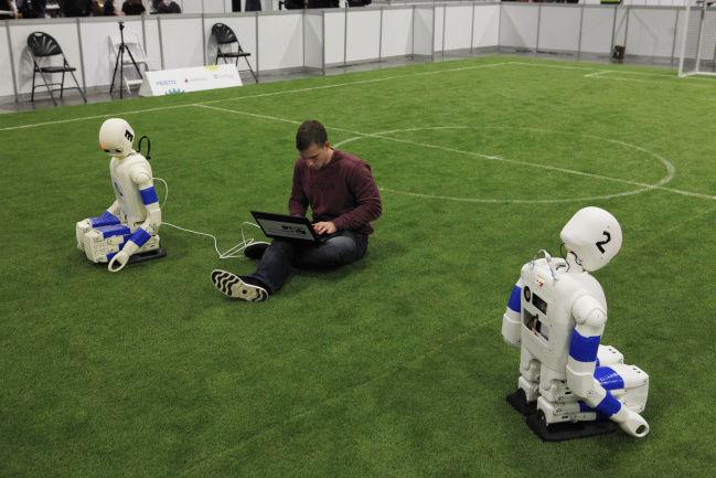AI expert racing to stop the killer robots