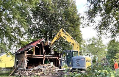 Garage at vacant city house razed
