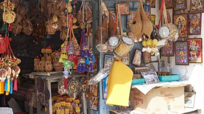 The question: To buy or not to buy souvenirs