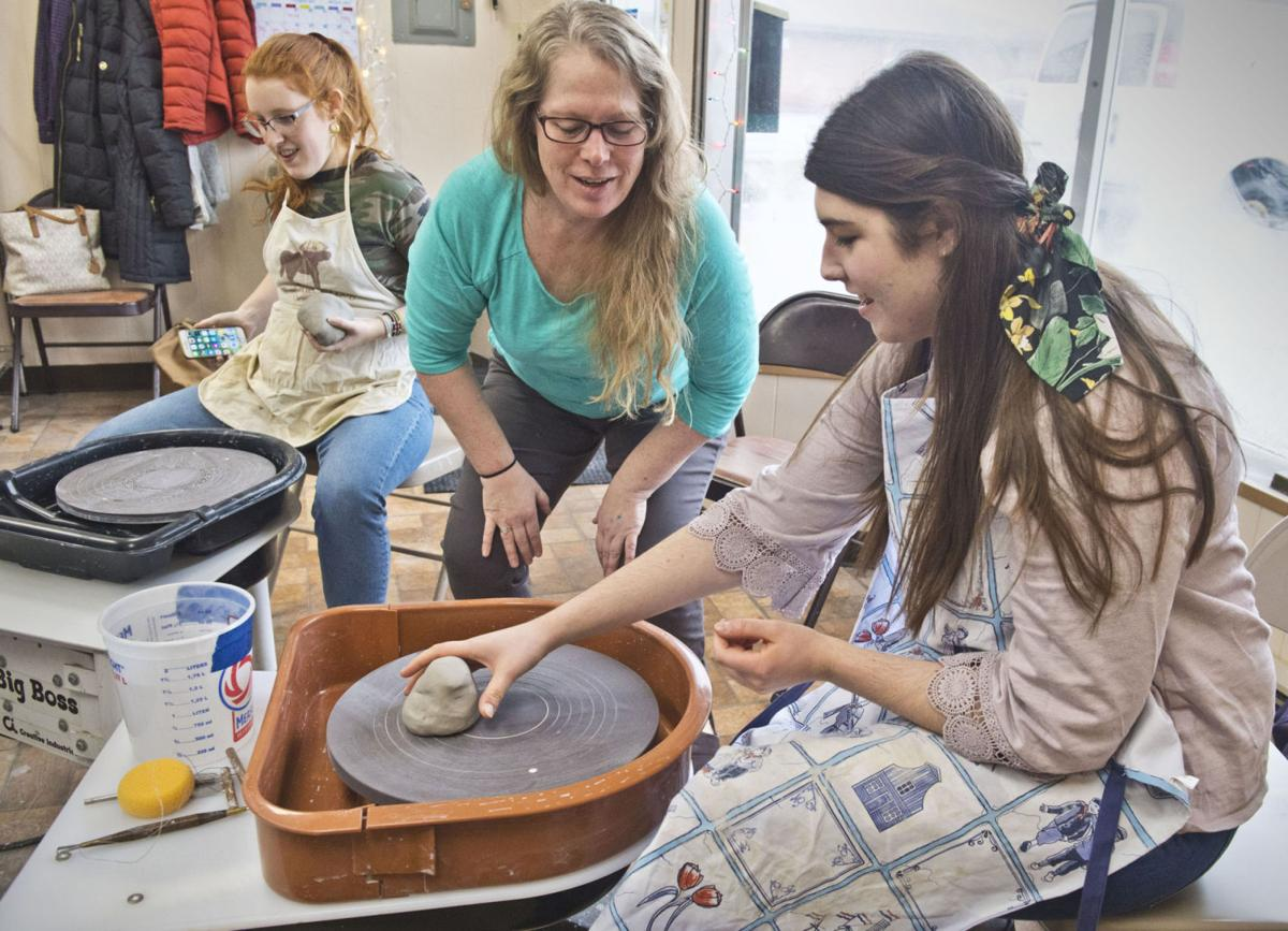 Potsdam site attracting pottery lovers of all levels