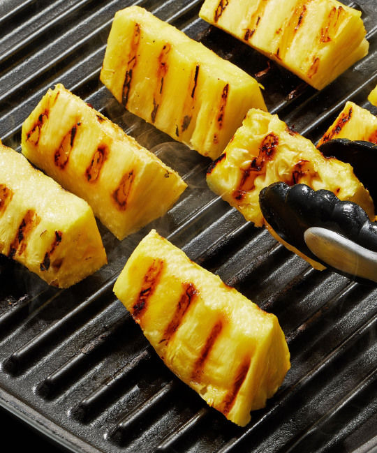 How to use a grill pan, inside or outdoors