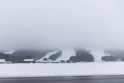 Fog rolls in at Snow Ridge