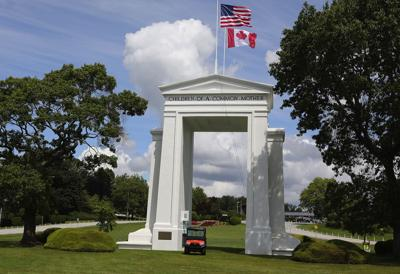 U.S. urges Americans to 'reconsider' Canada travel