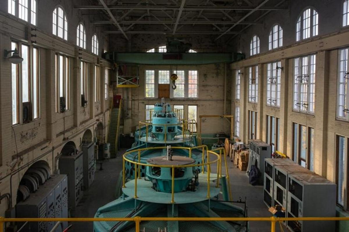 Keep city hydro plant, expert urges