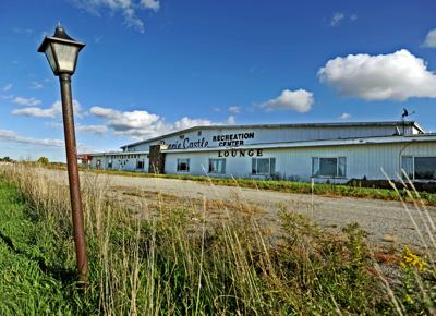 Town looks at buying Bonnie Castle arena
