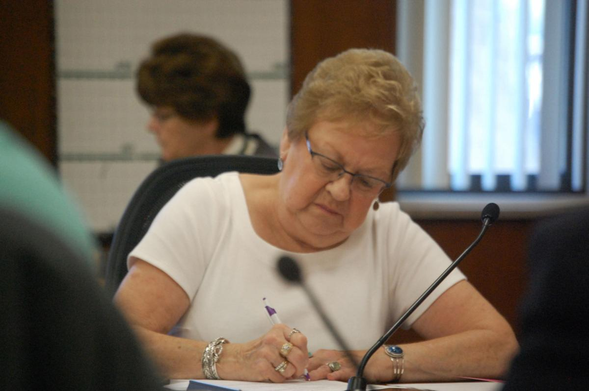 Facilitator to tackle Lewis building issue