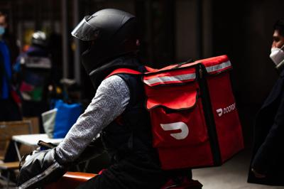 DoorDash launches alcohol delivery service