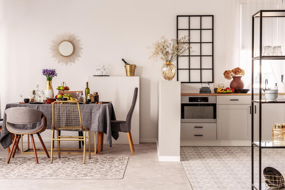 HGTV has it all wrong; keep the kitchen walls