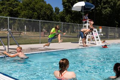 Council members sink fees for city pool