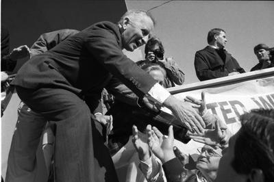 H. Ross Perot, brash Texas billionaire who ran for president, dies at 89