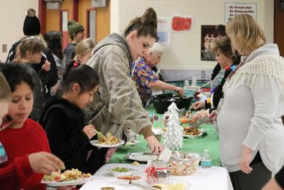 Fulton junior high students show off cooking skills