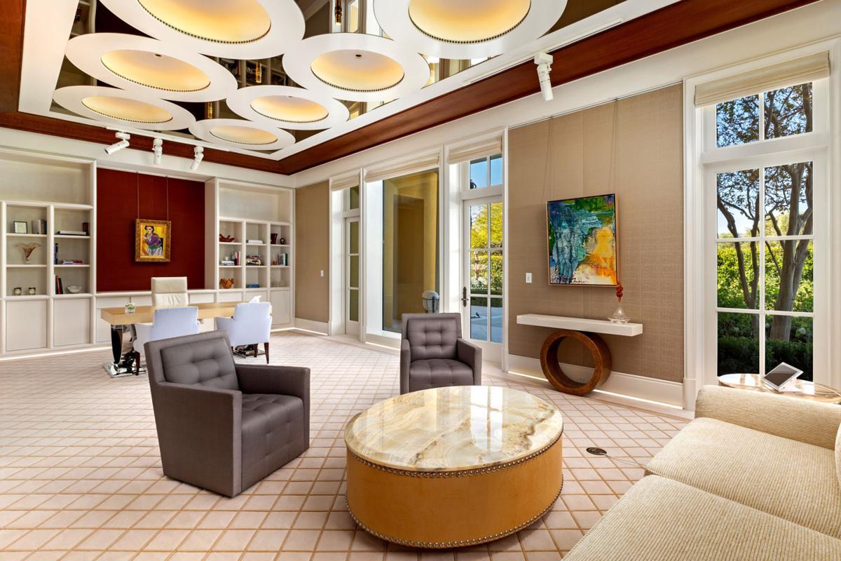 Will Arnett lists award-winning home