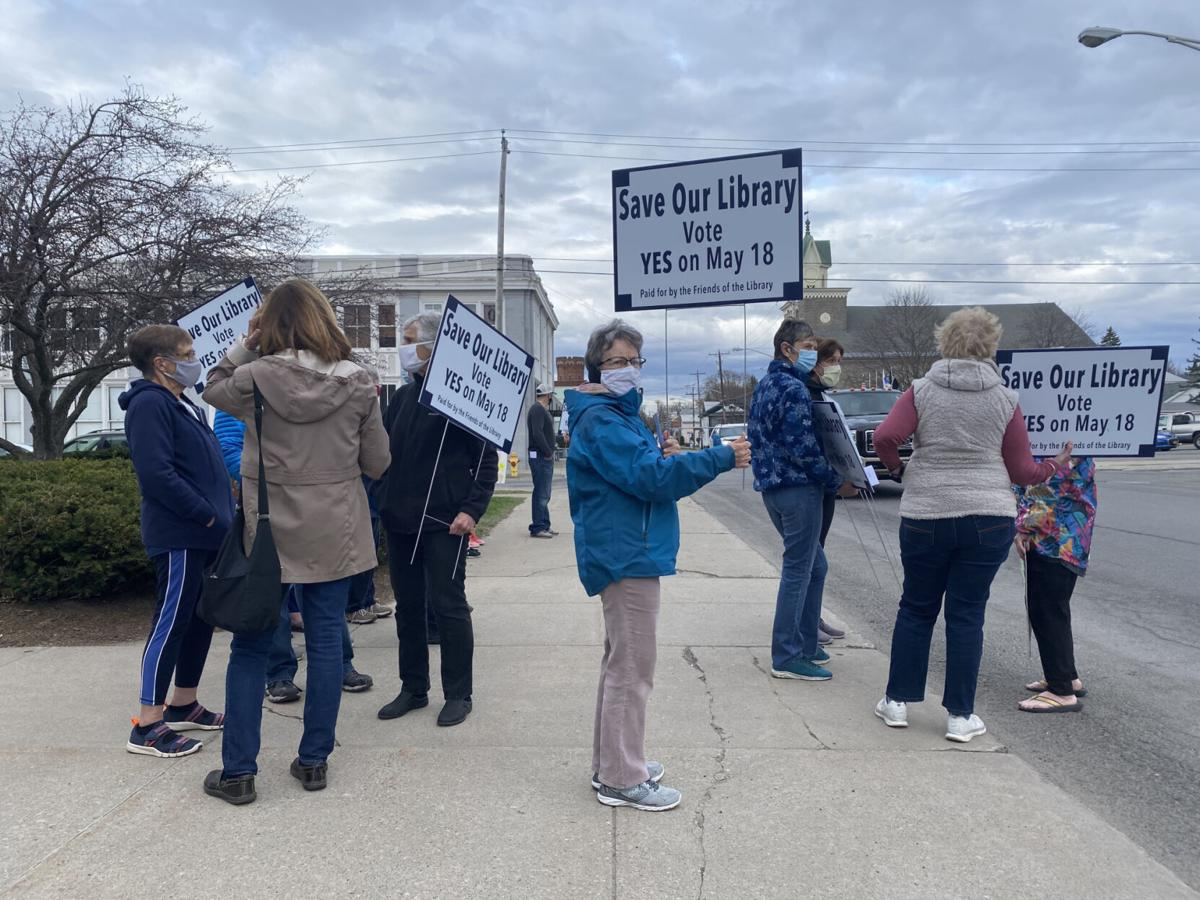 Library backers hold rally