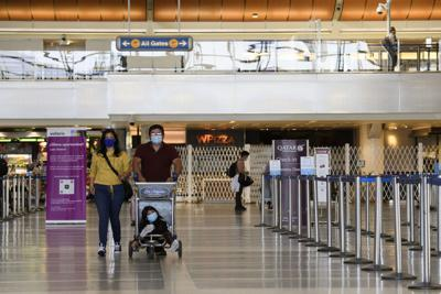 CDC's advice on holiday travel: Don't do it