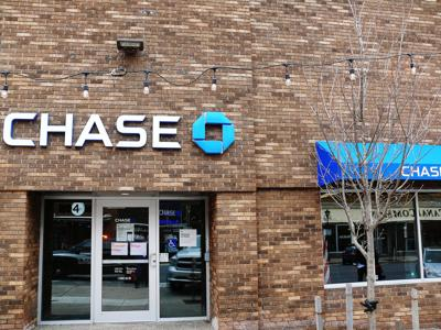 Oswego Chase Bank robbed; three men quickly arrested
