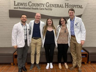 Students immerse in small-town medicine
