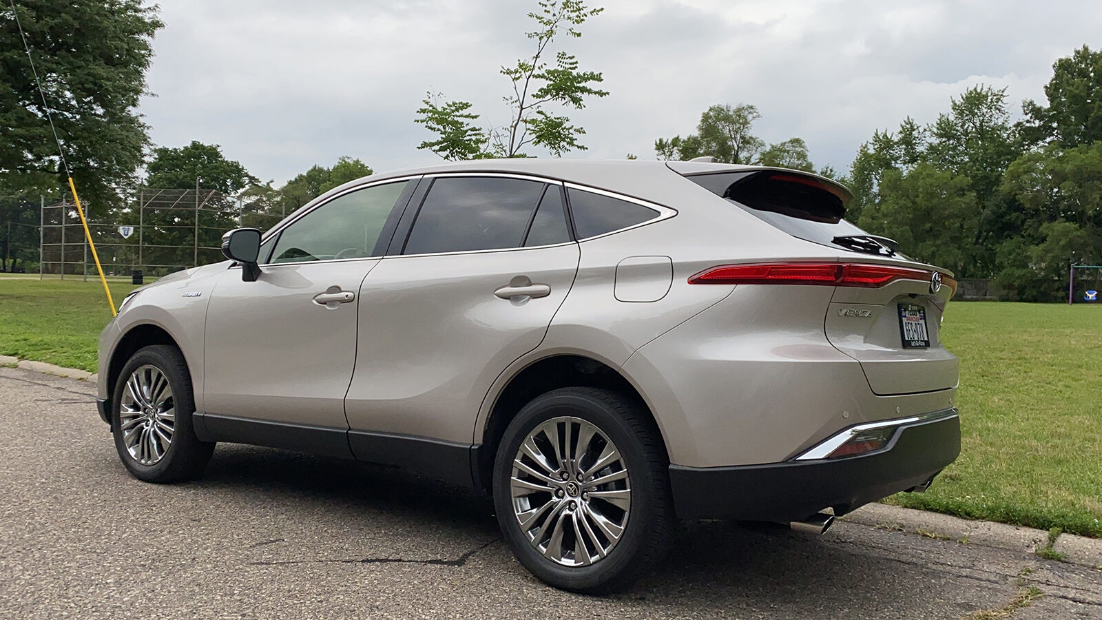 2021 Toyota Venza Hybrid Suv Combines Lexus Style With Toyota Value Auto Features Nny360 Com