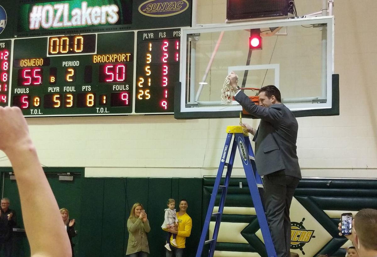 Lakers Leone named SUNYAC Coach of the Decade for men's basketball