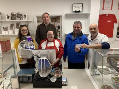 Stone's Homemade Candy Shop 'Sweetens up' the United Way of Greater Oswego County