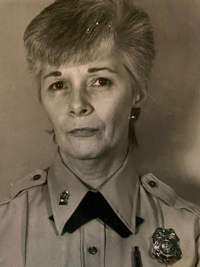 Arlene L Mills