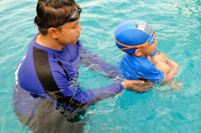 Guidelines: Start swim lessons at age 1