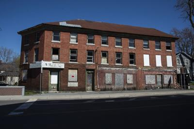 Vacant city building getting makeover