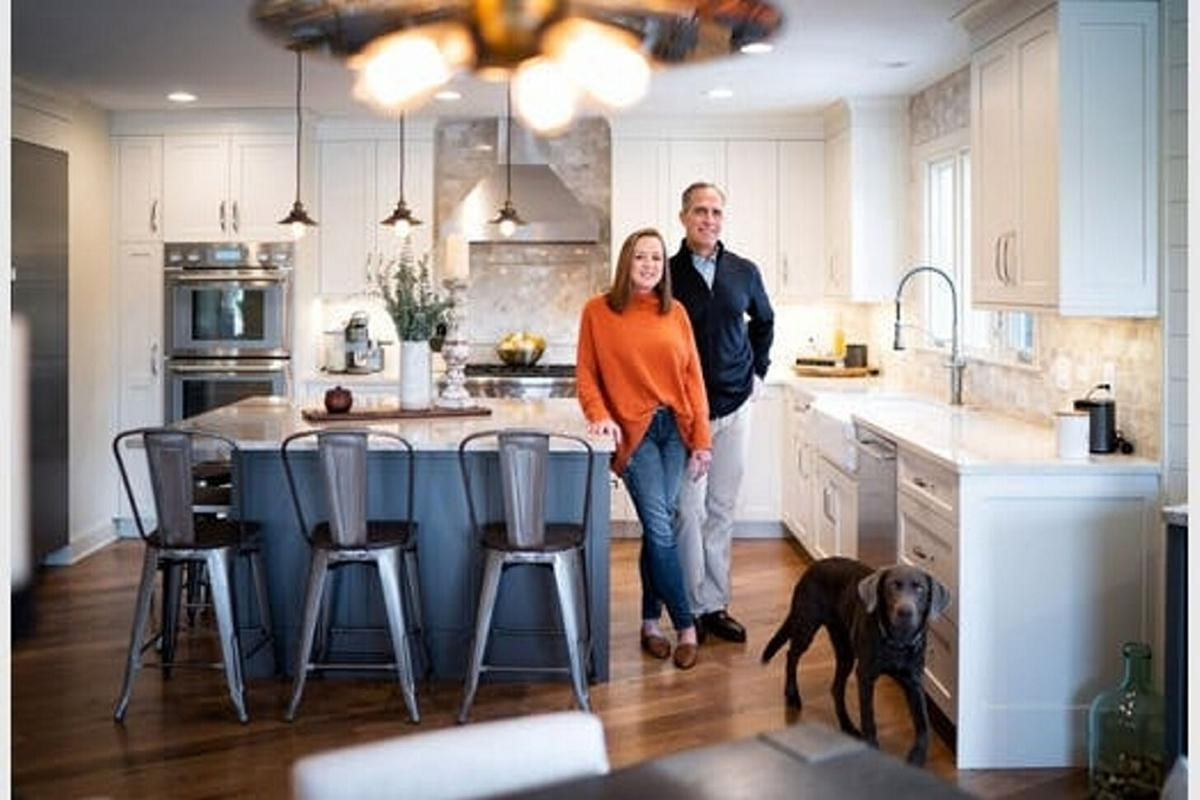 '70s house gets open floor plan for casual living