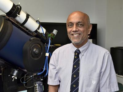 Astronomical contributions earn SUNY Oswego physics professor Chancellor's Award