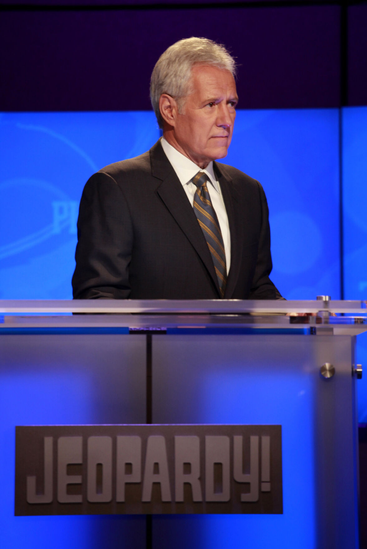 Trebek's last 'Jeopardy' episode will air on Christmas