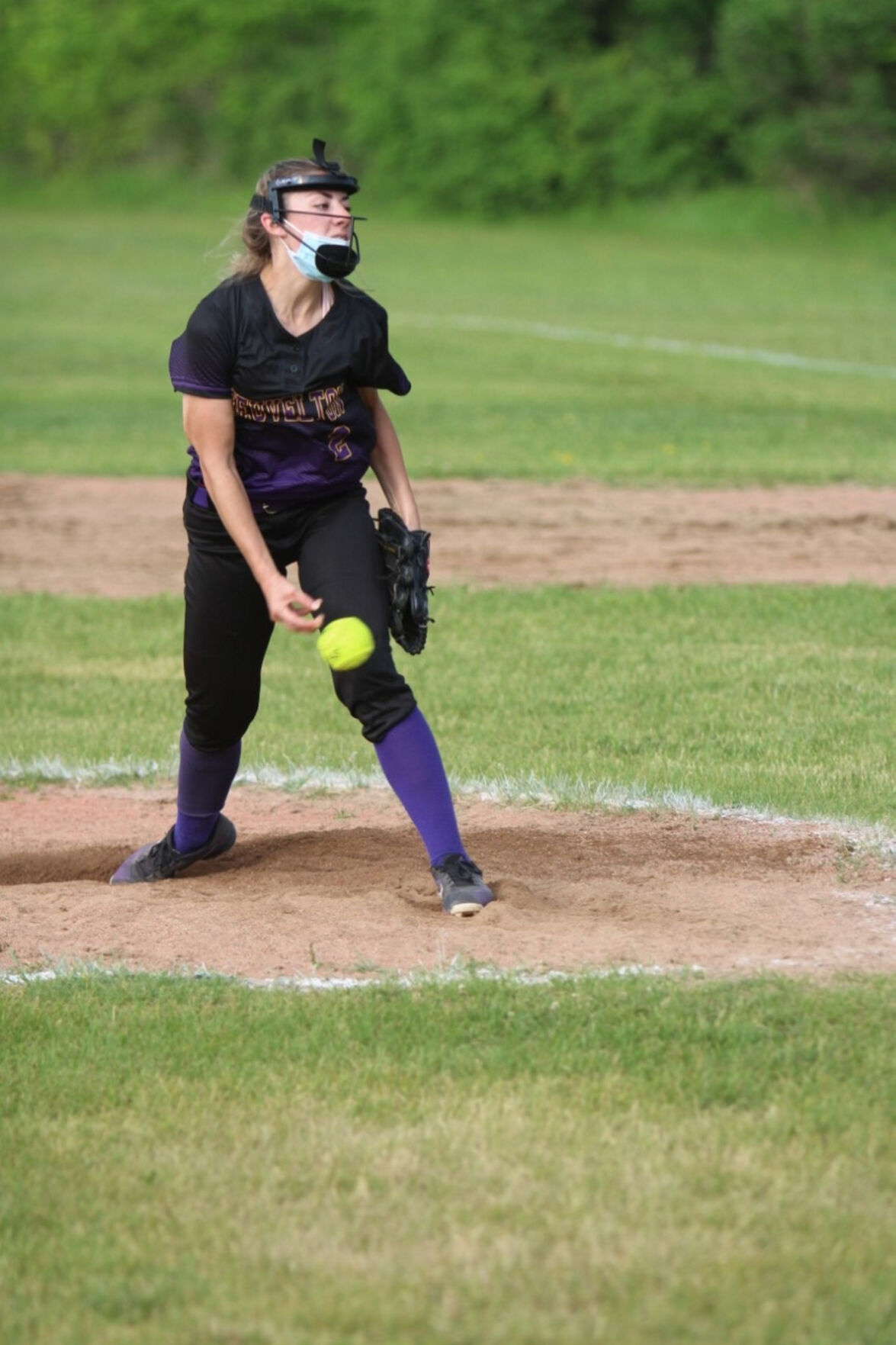Heuvelton softball takes division with doubleheader sweep