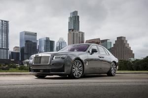 The 2021 Rolls-Royce Ghost: minimalism was never so lavish.