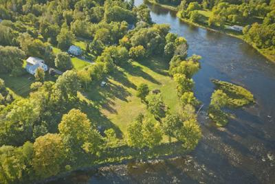 0918_wds_River Property_cl.jpg
