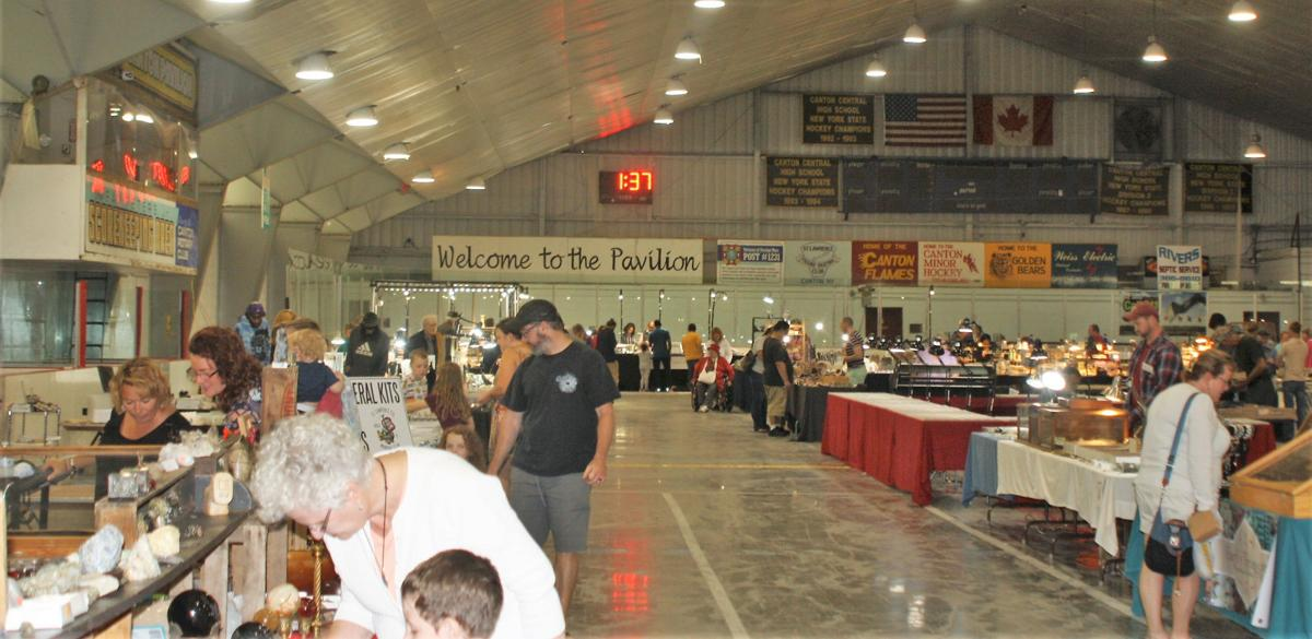 Rock collectors drawn to Canton for annual show
