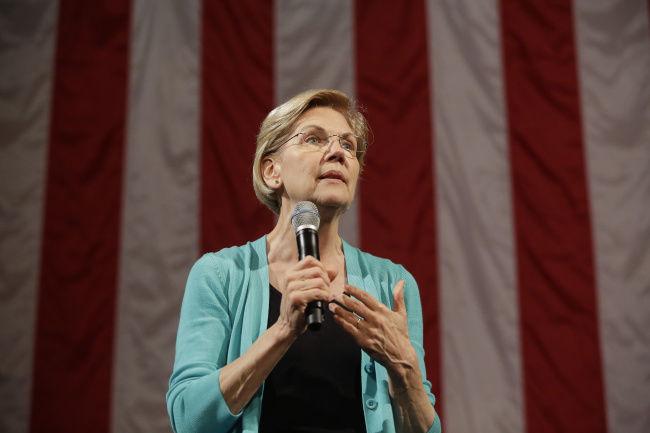 Warren proposes reshaping immigration agencies, decriminalizing border crossings