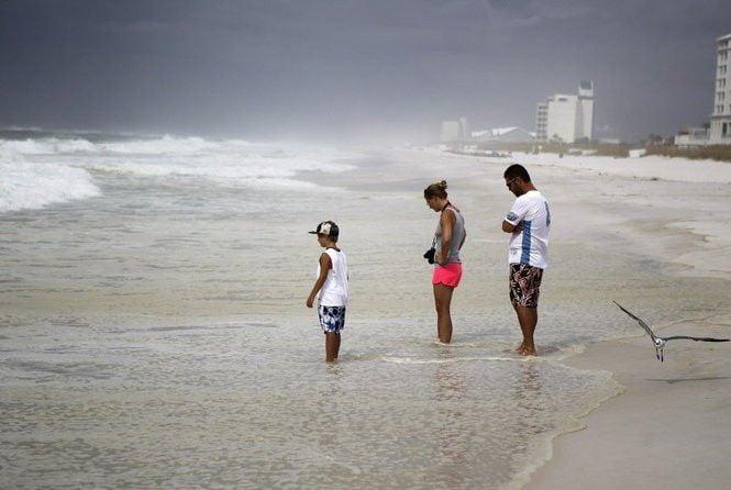 Gulf Coast beach advisories for Fourth of July weekend