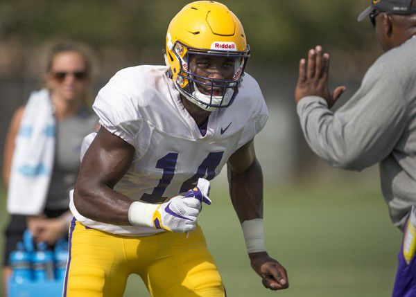 LSU's Drake Davis arrested, charged with battery; indefinitely suspended from team