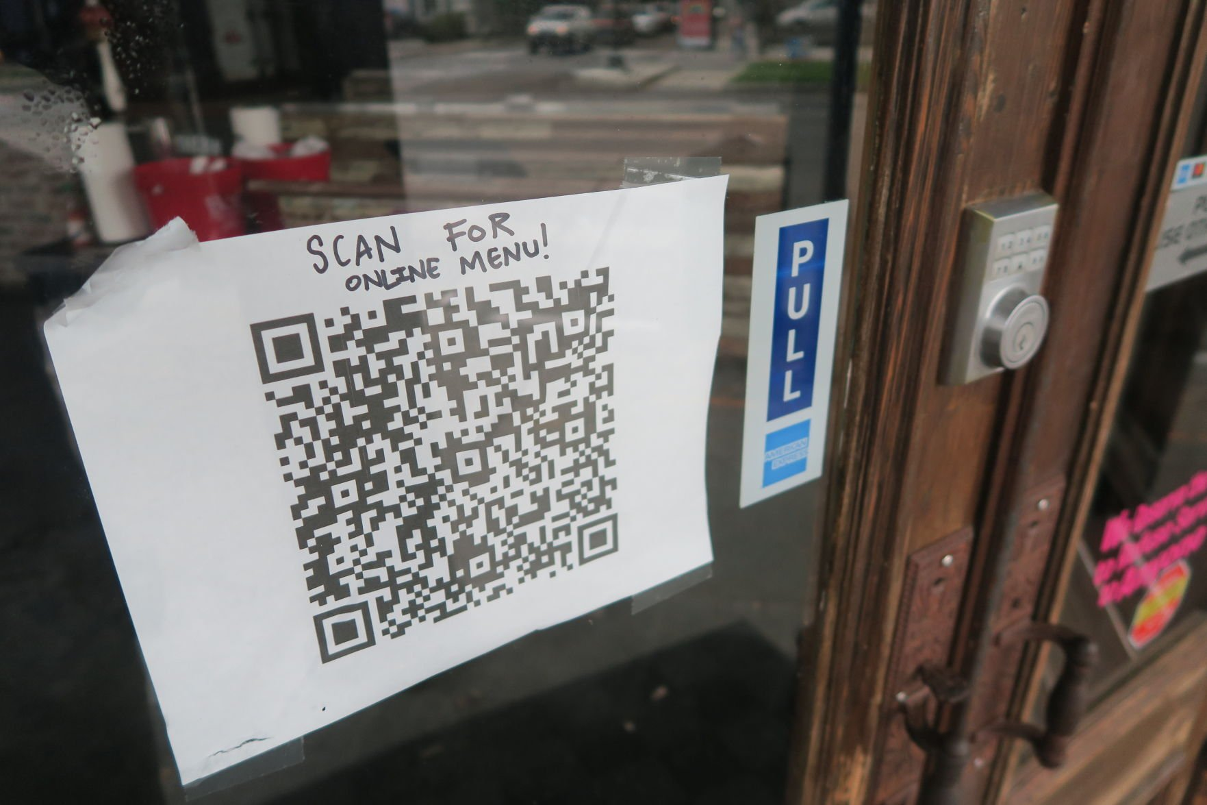New Orleans Restaurants Serve Up Qr Codes For No Touch Menus In Coronavirus Reopenings Coronavirus Nola Com