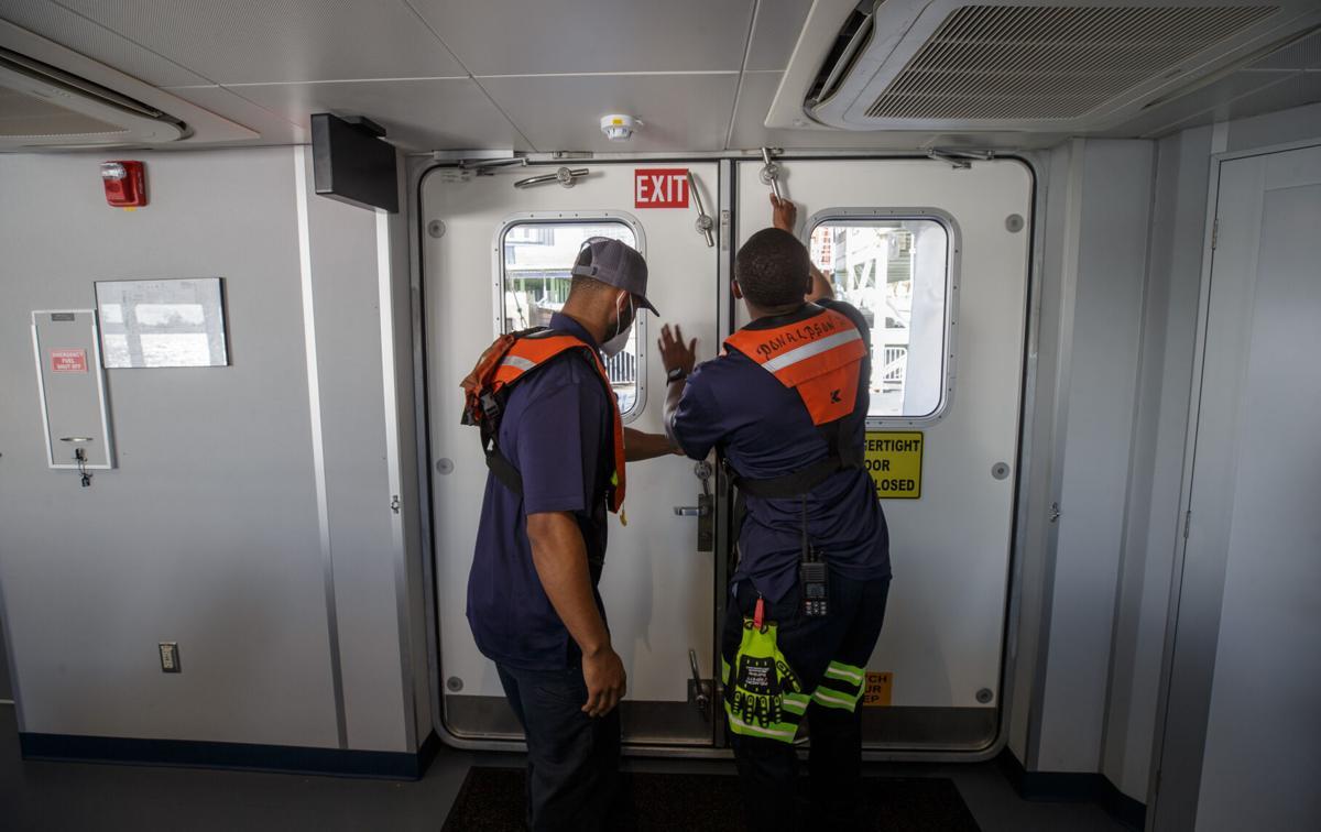 NO.ferry.101120.778.JPG