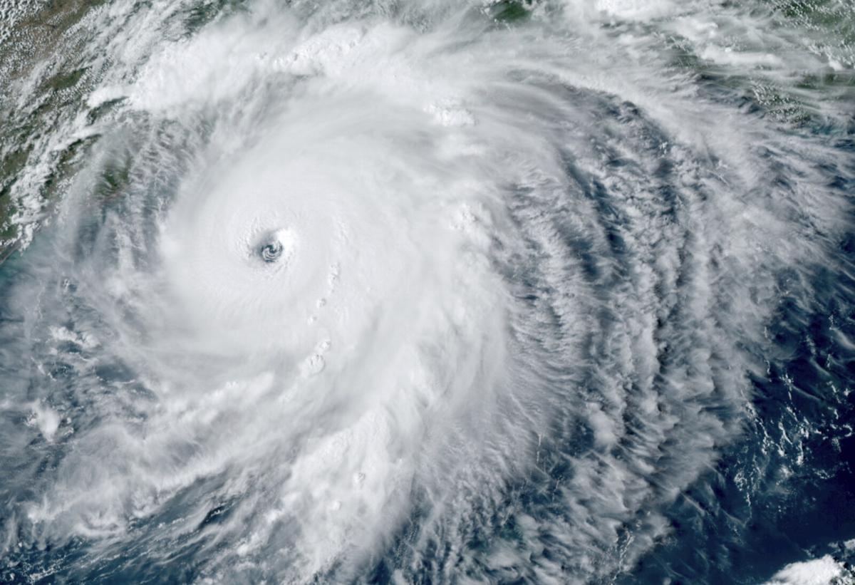 Hurricane Laura satellite impage